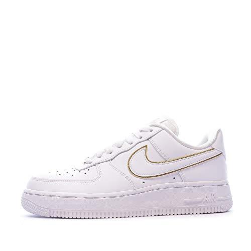 Nike Air Force 1 07 Essential, Zapatillas Baloncesto Mujer, White/White/Metallic Gold/White, 44 EU