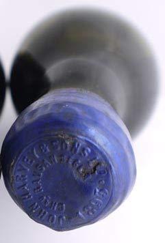 Chateau Rausan Segla 1893 Margaux Grand Cru Classe en una caja de regalo forrada de seda con cuatro accesorios de vino, 1 x 750ml
