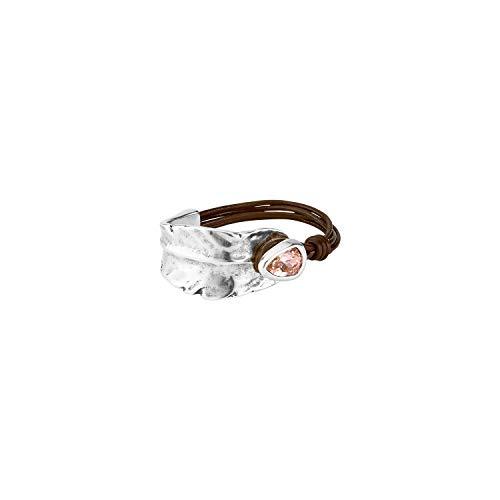 Brazalete semirígido, con Base de Cuero marrón y Original Cierre en Forma de botón bañado en Plata con Cristal de Swarovski® en Color Rosa Nude.