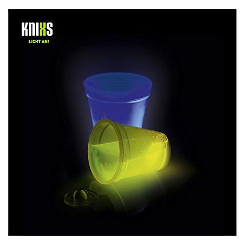 KNIXS 2er Set - Knicklicht Würfel-Becher / Becher 250ml im 2-Farb-Mix (gelb und blau) Leuchtend für Spiele, Party, Silvester, Festival oder als Dekoration - ohne Spielwürfel