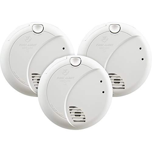 First Alert BRK 7010BFF-3 - Detector de Humo con Cable con Sensor fotoeléctrico y batería de Reserva, Paquete de 3