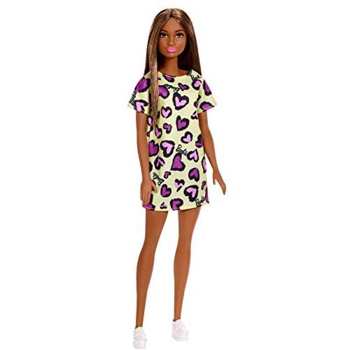 Barbie- Bambola Castana con Abito Giallo con Cuoricini Viola Giocattolo per Bambini 3+ Anni, GHW47