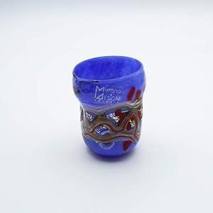 Vaso estilo: bocetos de licor, azul de cristal de Murano abierto a mano, envuelto con manchas y hilos opacos fundidos en su interior. Original Murano Glass. Fabricado en Italia (8 cm).
