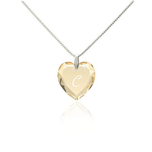 Damen Kette mit Swarovski Crystal Buchstaben Herzanhänger Gravur C filigrane schlichte dezente Halskette Herzkette für die Frau Freundin Schwester zum Valentinstag oder Geburtstagsgeschenk