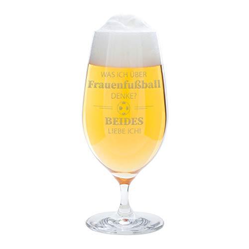 Bierglas – was ich über Frauenfußball denke: hochwertiges Pilsglas 0,33 Liter von Leonardo – graviert mit witzigem Spruch und Fußball Motiv – originelle Bier Geschenke für Männer