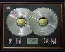 Preisvergleich Produktbild The Beatles White Album Dble-Lp Platinum Scheibe &Fotos