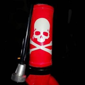 Bheema Mountain High Quality Bike luminoso cráneo huesos cruzados pegatina de bicicletas Etiqueta...