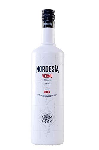 Nordesía Vermú Roxo - Bebida Gallega con Vino y Aguardiente, Sabor Hechizante, Fresco e Intenso, con Notas Afrutadas y Florales, Botella Premium de 1L