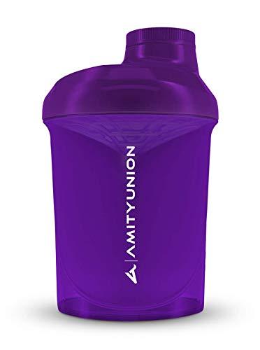 AMITYUNION Protein Shaker Lila Weiß Deluxe 400 ml - Eiweiß Shaker auslaufsicher - BPA frei mit Sieb & Skala für Cremige Whey Proteinpulver Shakes - Gym Fitness Becher für Isolate Sport Konzentrate