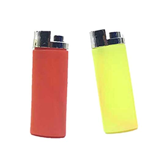 Toyvian 2pcs Water Squirt Toy Water Lighter Plastic Funny Emulational Vent Spoof Toy Prank Props for April Fools Day (Random Color)