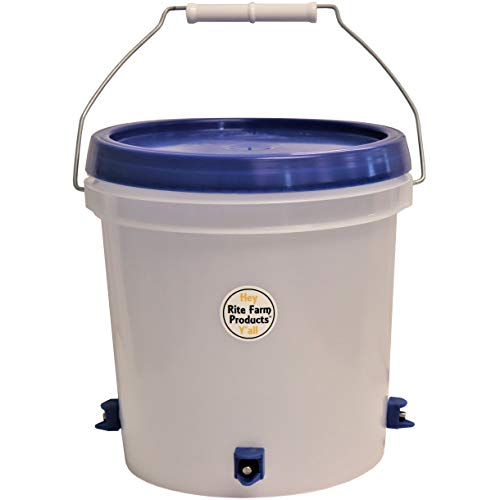 Rite Farm Products 1 Gallon Automatic Waterer 4 Horizontal Side Mount Nipple Drinker Chicken Poultry