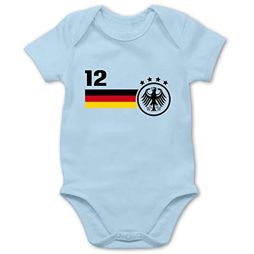 Shirtracer Fußball-Europameisterschaft 2021 - Baby - 12. Mann Deutschland Mannschaft WM - 1/3 Monate - Babyblau - Babystrampler rot - BZ10 - Baby Body Kurzarm für Jungen und Mädchen