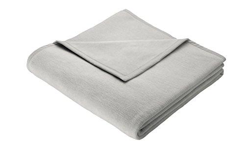 Biederlack Wohn- und Kuscheldecke in Grau, 150x200 cm, Decke aus Baumwolle, Tagesdecke zum Einkuscheln, edles Wohnaccessoire zum Wohlfühlen
