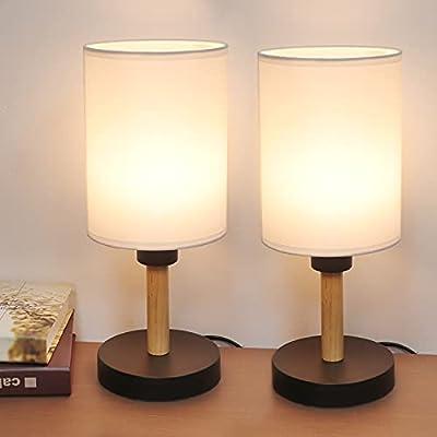 ✅ Diseño Minimalista - El elegante aspecto elegante de esta lámpara de mesa eleva la estética de su hogar, un tono de tela desfasado de lino blanco se cierne sobre una pequeña base negra de madera maciza. El tamaño y el diseño hacen de esta lámpara d...