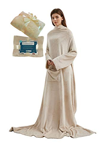 Lucadeau Kuscheldecke mit Ärmeln und Taschen, Geschenke für Frauen, Geburtstagsgeschenke für Mama, Schwester, Freundin, Einweihungsgeschenke Couch, Fernseher, Sofa-Decke, TV-Decke 150x200 cm (Sand)