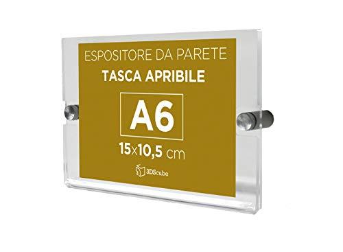Espositore in plexiglass di qualità, da parete, targa a tasca apribile, porta avvisi e depliant formato A6 orizzontale 15×10,5 cm, distanziali in alluminio spazzolato