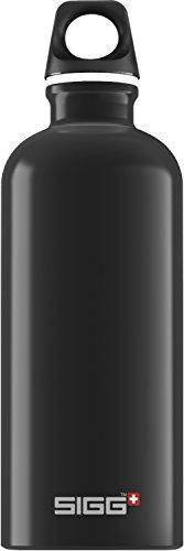 SIGG Traveller Black Trinkflasche (0.6 L), schadstofffreie und auslaufsichere Trinkflasche, federleichte Trinkflasche aus Aluminium