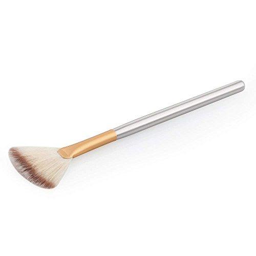 Brocha cosmética con forma de abanico, para maquillaje y contorno.