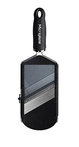 Microplane Mandolina regolabile con accessorio julienne con lame affilate in acciaio inossidabile in nero, proteggi-dita incluso