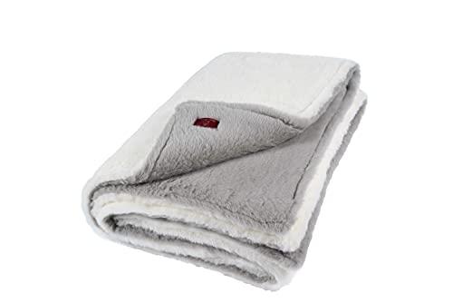 """Ritter Decken Alpaka Decke """"La Paz 140 x 200 cm grau/weiß (ungefärbt) aus 100prozent Alpaka (Natur) weich. Wolldecke aus eigener Herstellung. Geeignet als Wohndecke, Kuscheldecke & Tagesdecke"""
