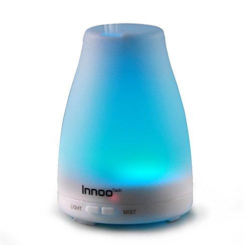 InnooTech Aroma Diffuser 100ml Diffusor Ultraschall Luftbefeuchter Kalten Nebel Technologie Abschaltautomatik Raumbefeuchter mit 7 LED Farbwechsel für Babies Yoga Kinderzimmer Schlafzimmer Büro usw.
