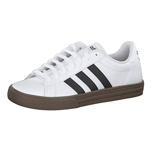 adidas Herren Daily 2.0 F34469 Basketballschuhe, Weiß (Ftwbla/Negbás/Gum5 000), 43 1/3 EU