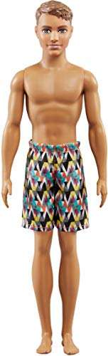 Barbie FJF09 Beach Ken pop met geruite shorts