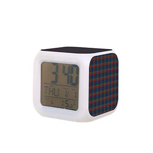 Azul verde y rojo Wilson Clan Plaid LED Digital Despertador Calendario Luz de la noche colorida dormitorio reloj de escritorio funciona con pilas