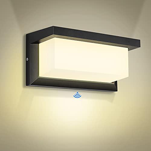 Applique da Esterno LED 30W Lampada da parete con Sensore radar Lampada da Parete Bianco Caldo Moderno Impermeabile IP65 per Giardino, Garage, Officina, Corridoio, Scale, Giardino
