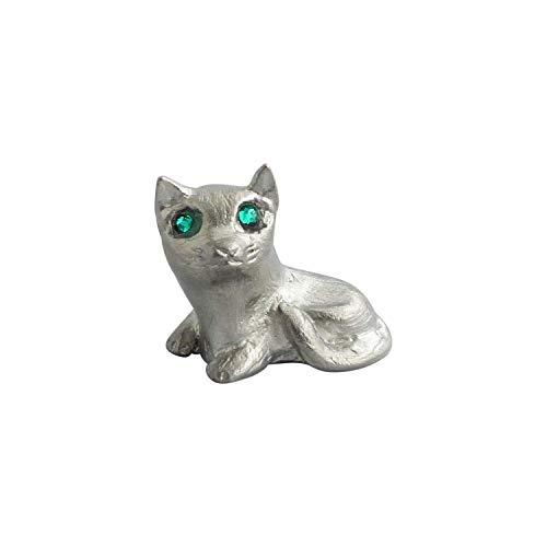 Zinngeschenke Katze mit grünen Augen sitzend aus Zinn (massiv) poliert, als vollplatische Figur, Setzkastenfigur, Vitrinenfigur, Sammlerstück (HxB) 2,6 x 3,2 cm