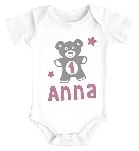 SpecialMe® Babybody mit Namen und Zahl zum Geburtstag Teddy-Bär personalisierbare Baby Geschenke Bio-Baumwolle Mädchen 1 Jahr weiß 12-18 Monate