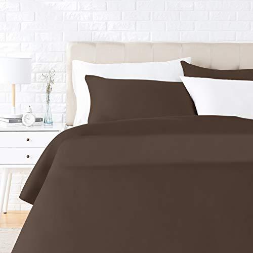 Amazon Basics - Juego de ropa de cama con funda de edredón, de satén, 260 x 220 cm / 50 x 80 cm x 2, Marrón