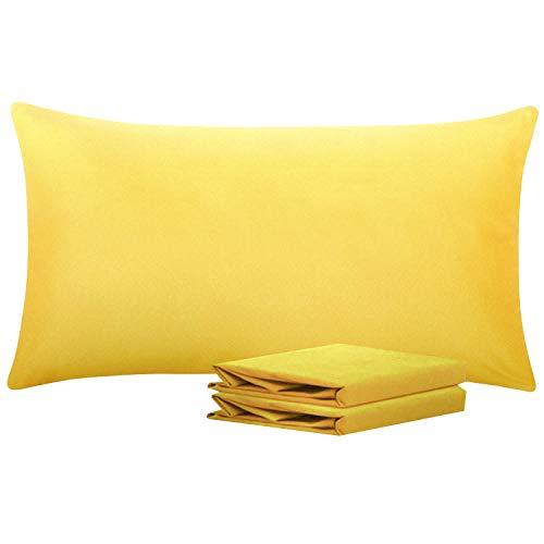 NTBAY Fundas de Almohada de Microfibra Lisa, Juego de 2 Fundas de Almohada Suaves, Antiarrugas y Resistentes a Las Manchas con Cierre de sobre, 50x90 cm, Amarilla