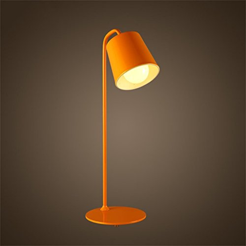 Shopping- Nordic minimalistische Tischlampe Schlafzimmer moderne Art und Weise kreative Studio Wohnzimmer dekorative Eisenlampen Nachttischlampe