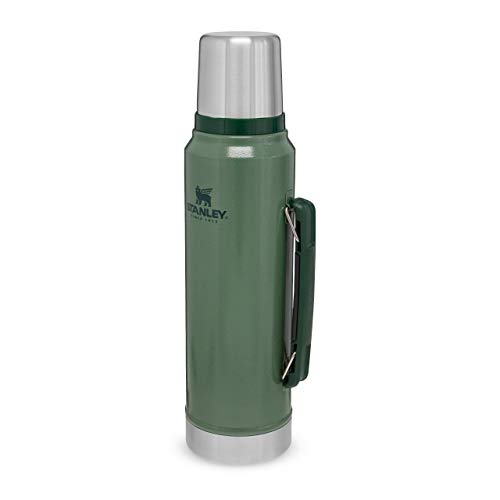 Stanley Classic Legendary Bottle 1 Liter / 1.1QT Hammertone Green - Edelstahl-Thermoskanne - BPA-frei - Hält 24 Stunden heiß - Deckel fungiert als Trinkbecher - Spülmaschinenfest - Lifetime Warranty