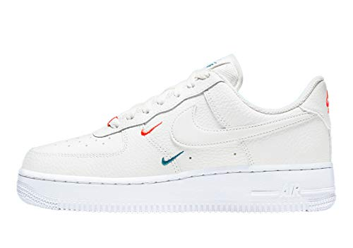 Nike Wmns Air Force 1 '07 ESS, Zapatillas de bsquetbol Mujer, Summit White Summit White Solar Red Green Abyss White White, 42 EU