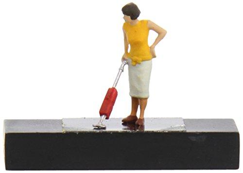 Preiser 28141 Frau mit Staubsauger