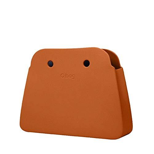 Cuerpo de bolso O Bag Reverse en Goma Eva de color ladrillo.