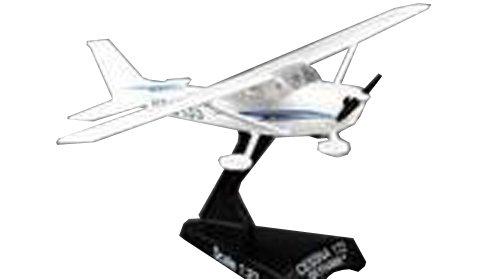 Daron Worldwide Trading Postage Stamp PS5603-2 Cessna 172 SkyHawk 1:87 Diecast Display Model