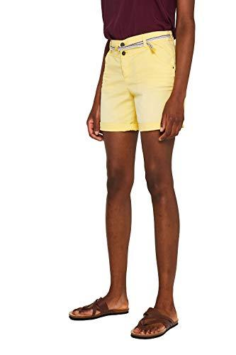 Pantalones cortos amarillo pastel outfit