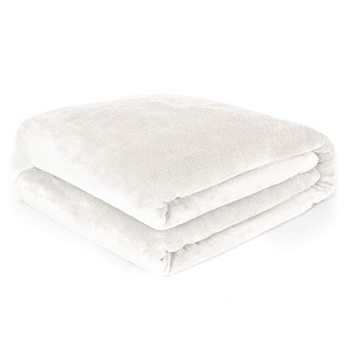 Pure Label Kuscheldecke / Heimdecke 150x200 cm aus Coral Fleece für Schlaf- und Wohnzimmer. Geeignet als Sofadecke und Couchdecke, Farbe weiß