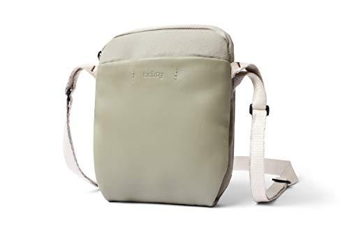 Bellroy City Pouch Premium - レザーのクロスボディバッグ(電子書籍または小さめのタブレット、財布、サングラス、携帯電話を収納可能) - Lichen
