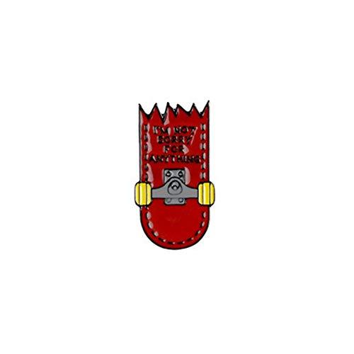 TNSC Européens et américains de la Mode Cartoon Couple Bleu et Rouge combiné à Quatre Roues de Planche à roulettes Forme Broche Tendance Tous Les Bijoux Match Badge Vêtements Sacs à Dos Décor
