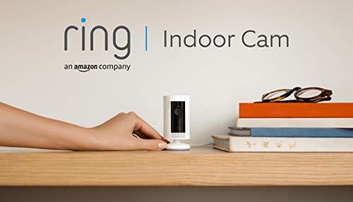 Ring Indoor Cam von Amazon, eine kompakte WLAN Plug-in-HD-Überwachungskamera Innen mit Gegensprechfunktion, funktioniert mit Alexa | Mit 30-tägigem Testzeitraum für Ring Protect | Weiß