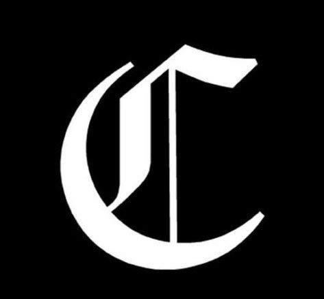 Oud Engels lettertype initiële letter C - Sticker, Die gesneden vinyl decal voor ramen, auto's, vrachtwagens, gereedschapskisten, laptops, MacBook - vrijwel elk hard, glad oppervlak