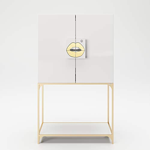 PLAYBOY Bar Schrank mit LED-Beleuchtung und Spiegel, Hochkommode im Retrodesign mit 2 Türen, Kussmund auf den Griffen, goldenes Metallgestell, Innenaufteilung und Schubladen für Stauraum, Weiss Gold