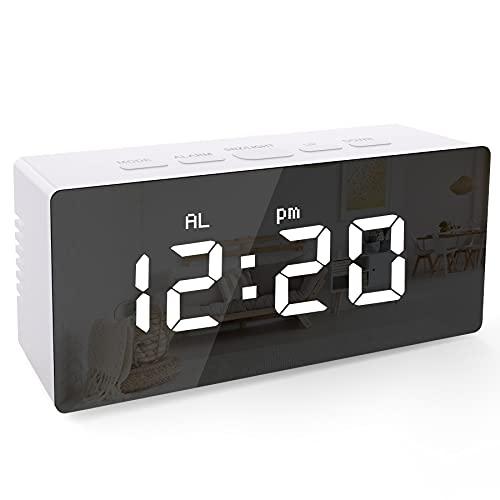 KidsPark Réveil Digital, Réveil Matin Alarme Horloge Numérique de Chevet, Miroir LED Réveil à Piles ou Alimenté par USB, Reveil Enfants de Voyage avec Fonction Snooze et USB Charger, Blanc