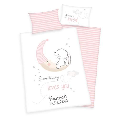 Wolimbo Bettwäsche - Hase auf Mond Motiv - personalisierbar - 100 x 135 cm - Babybettwäsche - Kinderbettwäsche - 100% Baumwolle - Weich
