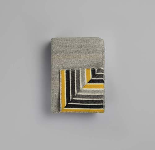 RØROS TWEED Konfetti Wolldecke | Kuscheldecke aus norwegischer Lammwolle | Design von Anderssen & Voll | Deckenmaße: 135x200cm (2752 grau/grau)