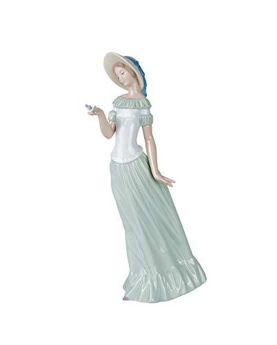 NAO Figura La Dama De La Mariposa. Mujer de Porcelana